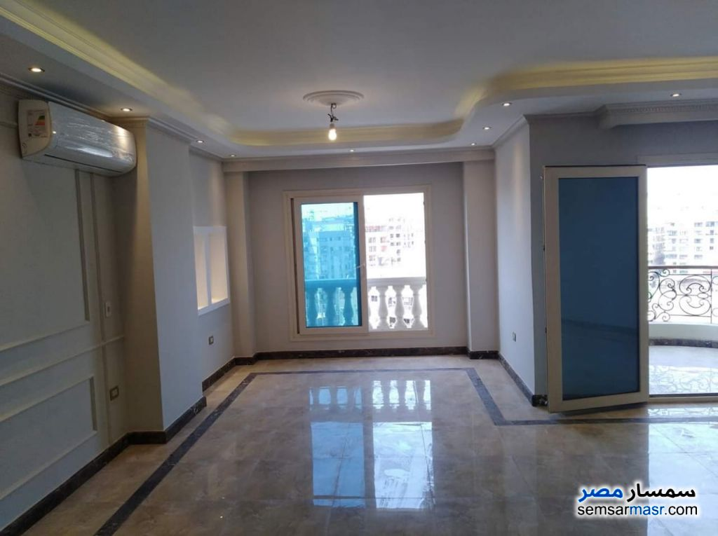 Photo 2 - Apartment 4 bedrooms 2 baths 250 sqm extra super lux For Sale Heliopolis Cairo