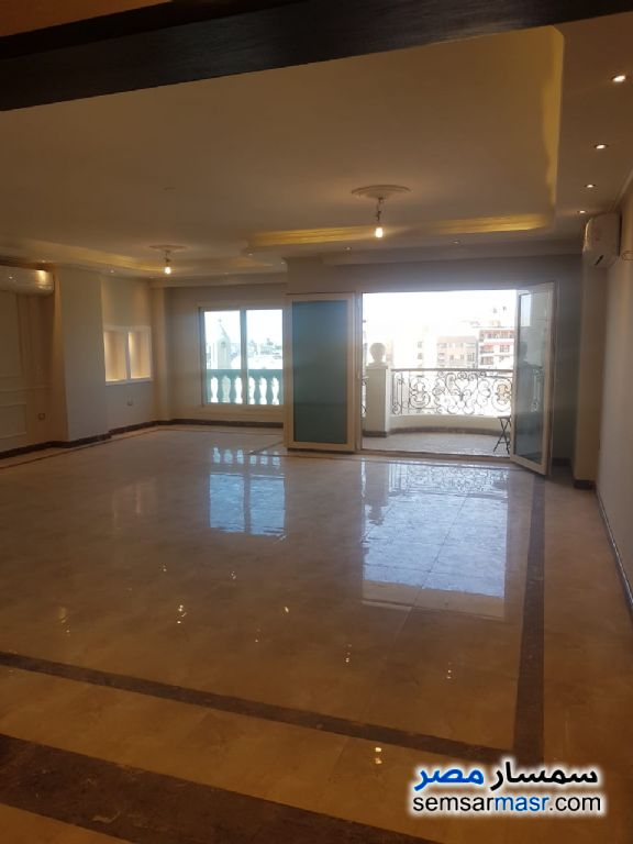 Photo 3 - Apartment 4 bedrooms 2 baths 250 sqm extra super lux For Sale Heliopolis Cairo