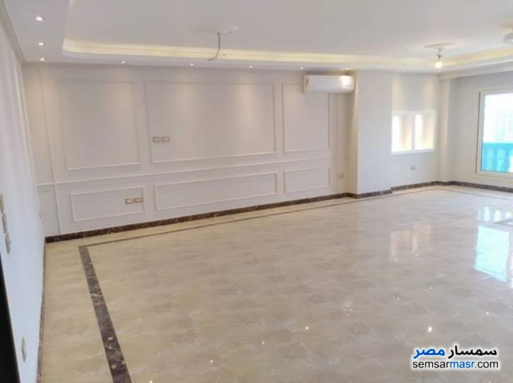 Photo 4 - Apartment 4 bedrooms 2 baths 250 sqm extra super lux For Sale Heliopolis Cairo
