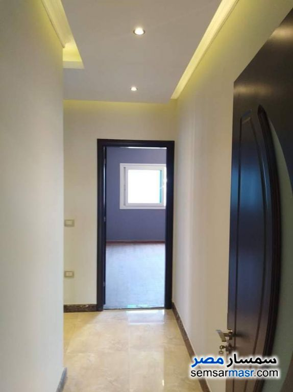 Photo 12 - Apartment 4 bedrooms 2 baths 250 sqm extra super lux For Sale Heliopolis Cairo