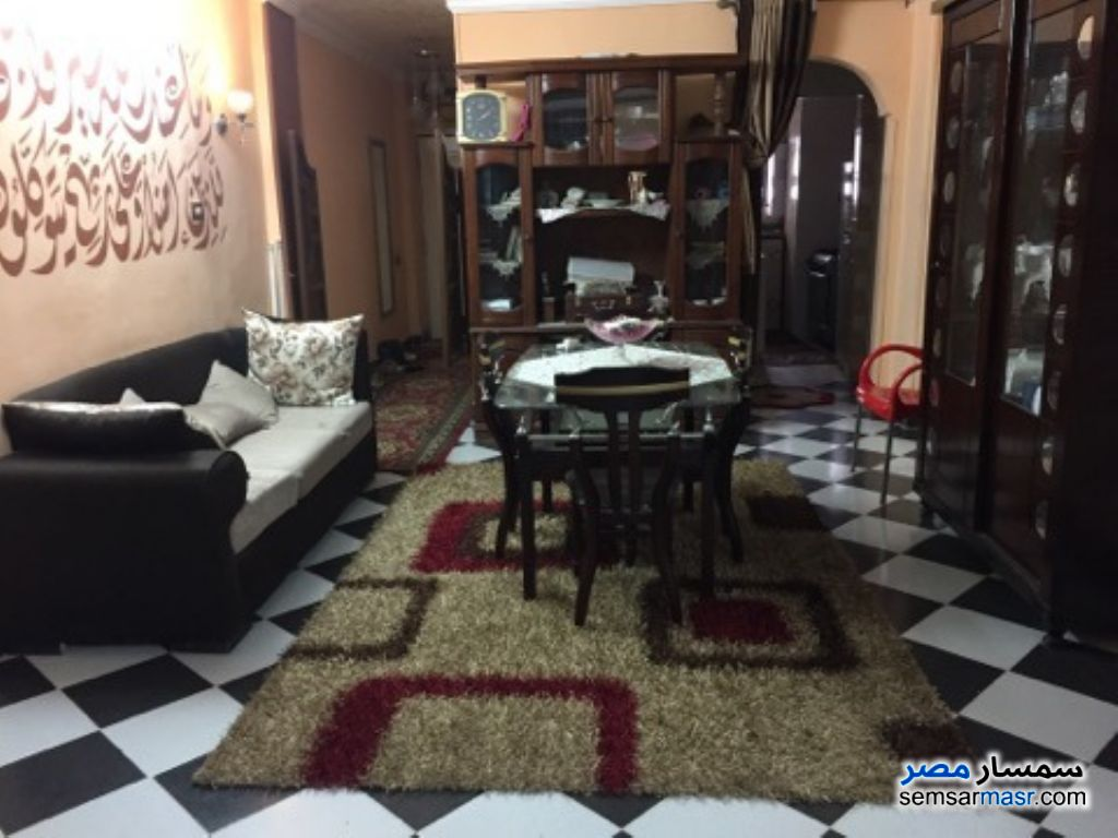 Photo 1 - Apartment 4 bedrooms 1 bath 120 sqm super lux For Sale Zawya El Hamraa Cairo