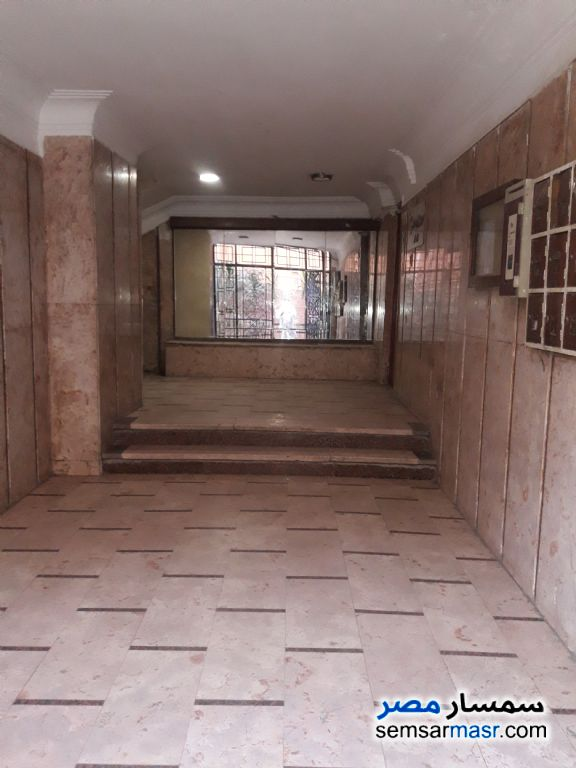 Photo 1 - Apartment 4 bedrooms 1 bath 125 sqm lux For Sale Haram Giza