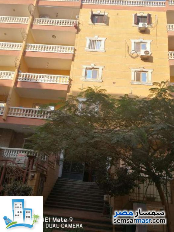 Ad Photo: Apartment 3 bedrooms 2 baths 160 sqm semi finished in Hadayek Al Ahram  Giza