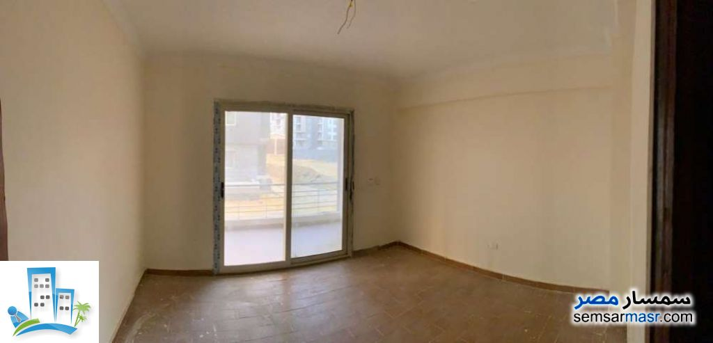 Ad Photo: Apartment 3 bedrooms 2 baths 130 sqm in First Settlement  Cairo
