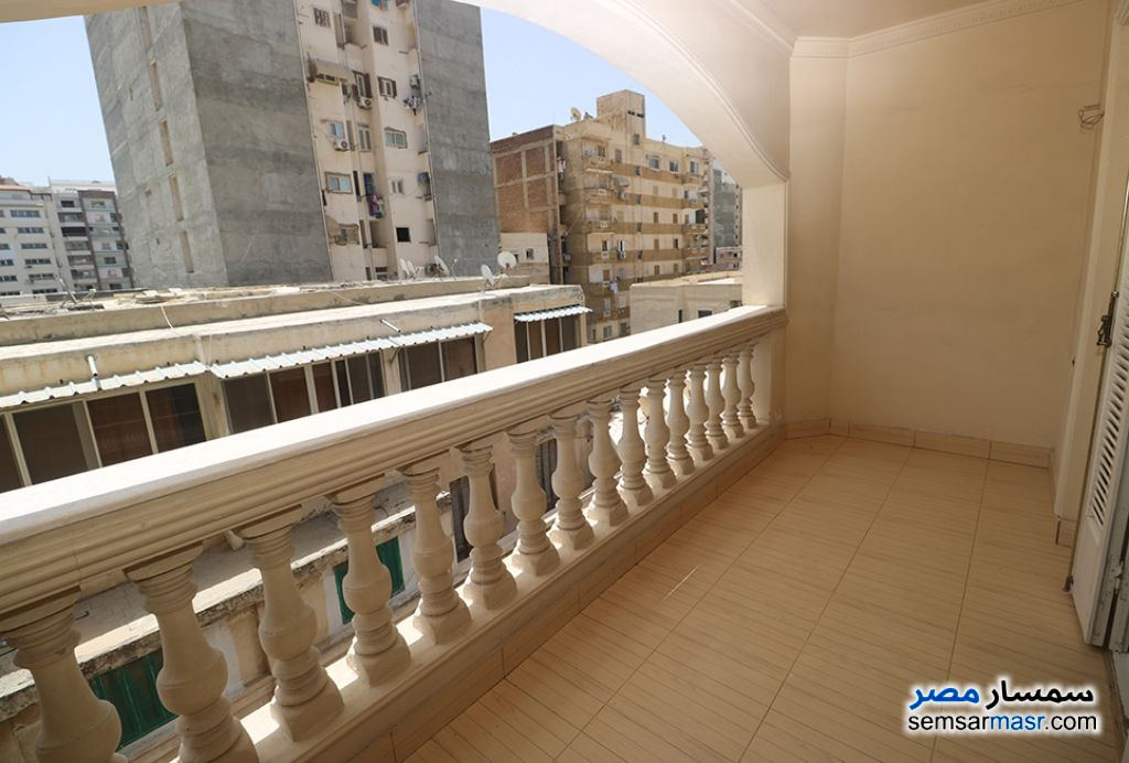 Ad Photo: Apartment 4 bedrooms 3 baths 270 sqm super lux in Abu Qir  Alexandira