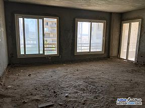 Ad Photo: Apartment 3 bedrooms 1 bath 150 sqm semi finished in Shubra  Cairo