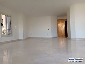 Ad Photo: Apartment 4 bedrooms 2 baths 230 sqm extra super lux in Dokki  Giza