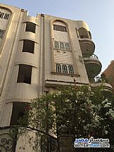 Ad Photo: Apartment 3 bedrooms 1 bath 135 sqm extra super lux in Hadayek Helwan  Cairo