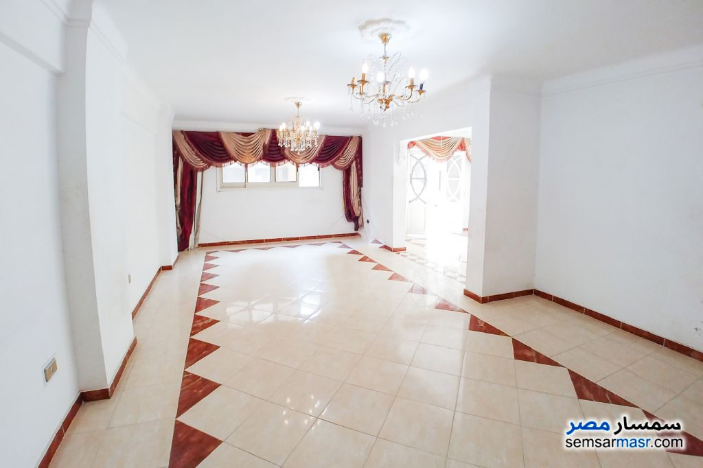 Ad Photo: Apartment 3 bedrooms 1 bath 125 sqm lux in Smoha  Alexandira