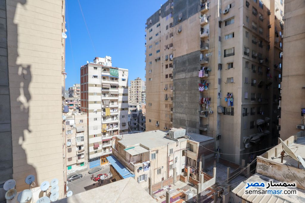Ad Photo: Apartment 3 bedrooms 1 bath 140 sqm super lux in Zezenia  Alexandira
