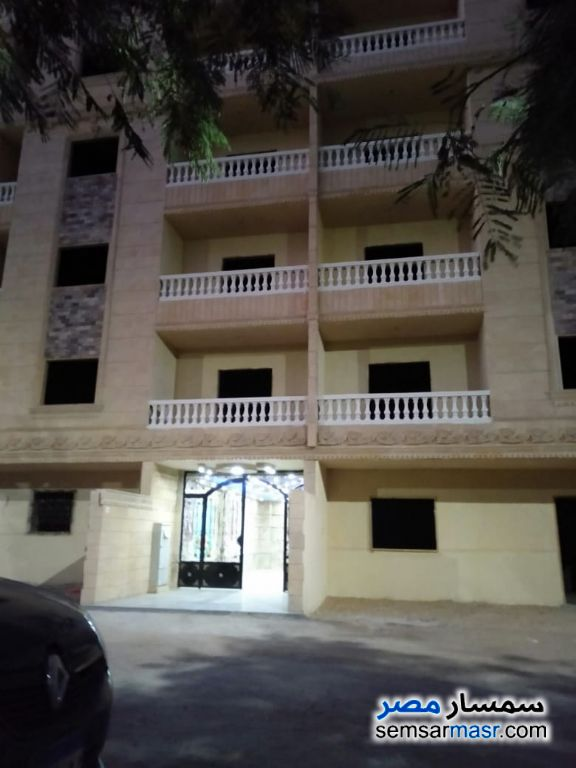 Photo 1 - Apartment 3 bedrooms 2 baths 150 sqm semi finished For Sale Hadayek Al Ahram Giza