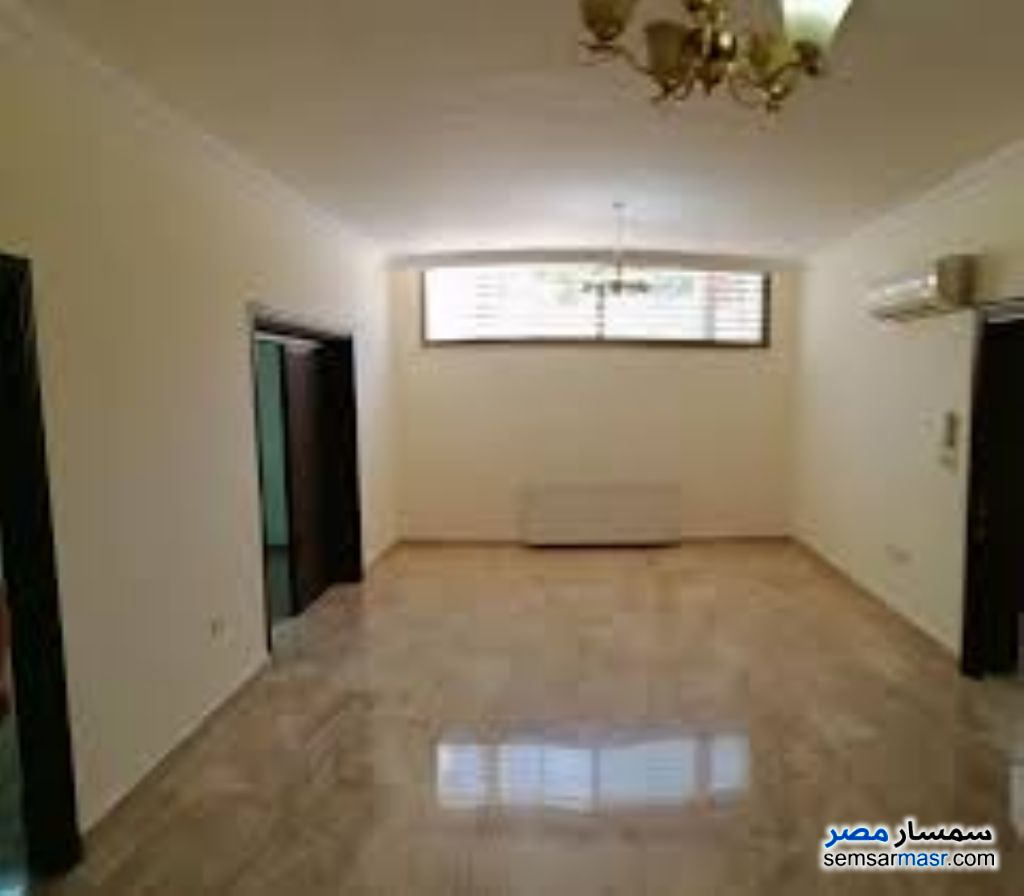 Ad Photo: Apartment 2 bedrooms 1 bath 153 sqm extra super lux in Shubra  Cairo