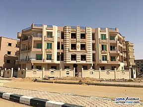 Ad Photo: Apartment 3 bedrooms 2 baths 161 sqm semi finished in Shorouk City  Cairo