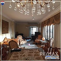 Ad Photo: Apartment 3 bedrooms 2 baths 170 sqm super lux in Agouza  Giza
