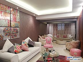 Ad Photo: Apartment 2 bedrooms 1 bath 170 sqm extra super lux in Mohandessin  Giza