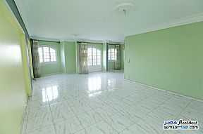 Ad Photo: Apartment 6 bedrooms 2 baths 175 sqm super lux in Sporting  Alexandira