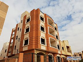 Ad Photo: Apartment 3 bedrooms 2 baths 195 sqm semi finished in Shorouk City  Cairo