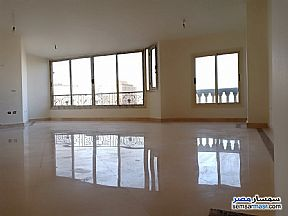 Ad Photo: Apartment 4 bedrooms 1 bath 230 sqm super lux in Dokki  Giza