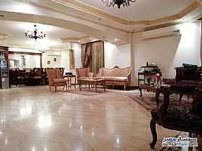 Ad Photo: Apartment 4 bedrooms 3 baths 255 sqm super lux in Mohandessin  Giza