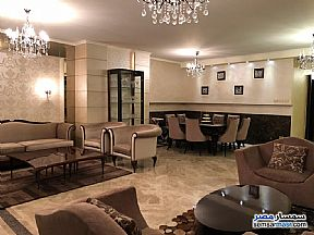 Ad Photo: Apartment 3 bedrooms 3 baths 255 sqm extra super lux in Mohandessin  Giza