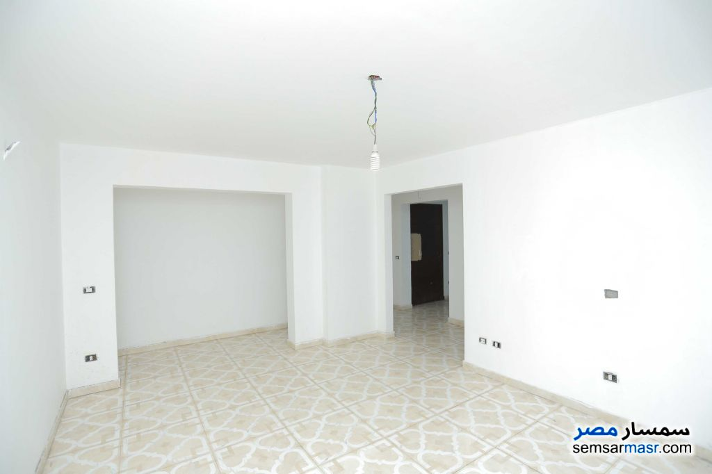 Photo 9 - Apartment 6 bedrooms 3 baths 257 sqm extra super lux For Sale Sporting Alexandira