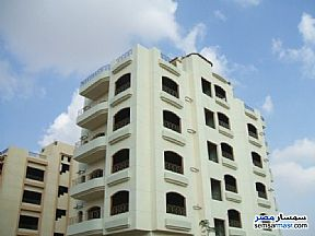Ad Photo: Apartment 2 bedrooms 1 bath 70 sqm super lux in Heliopolis  Cairo