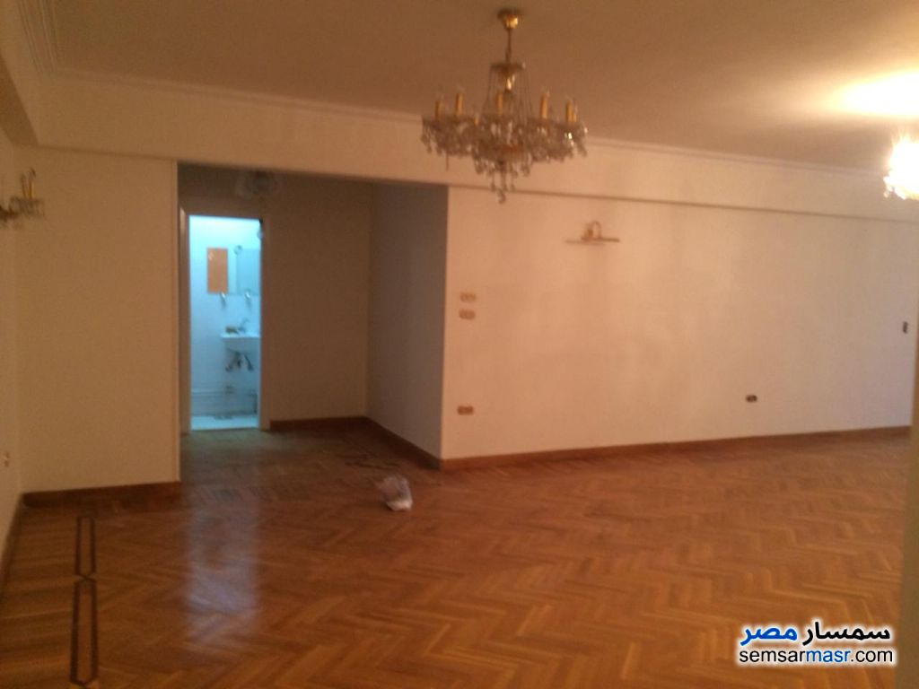 Photo 3 - Apartment 3 bedrooms 2 baths 225 sqm extra super lux For Sale Heliopolis Cairo