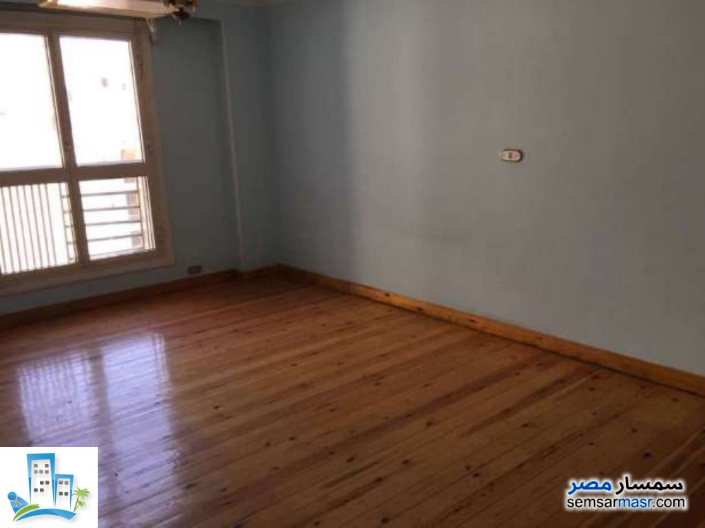 Ad Photo: Apartment 3 bedrooms 3 baths 200 sqm in Zamalek  Cairo