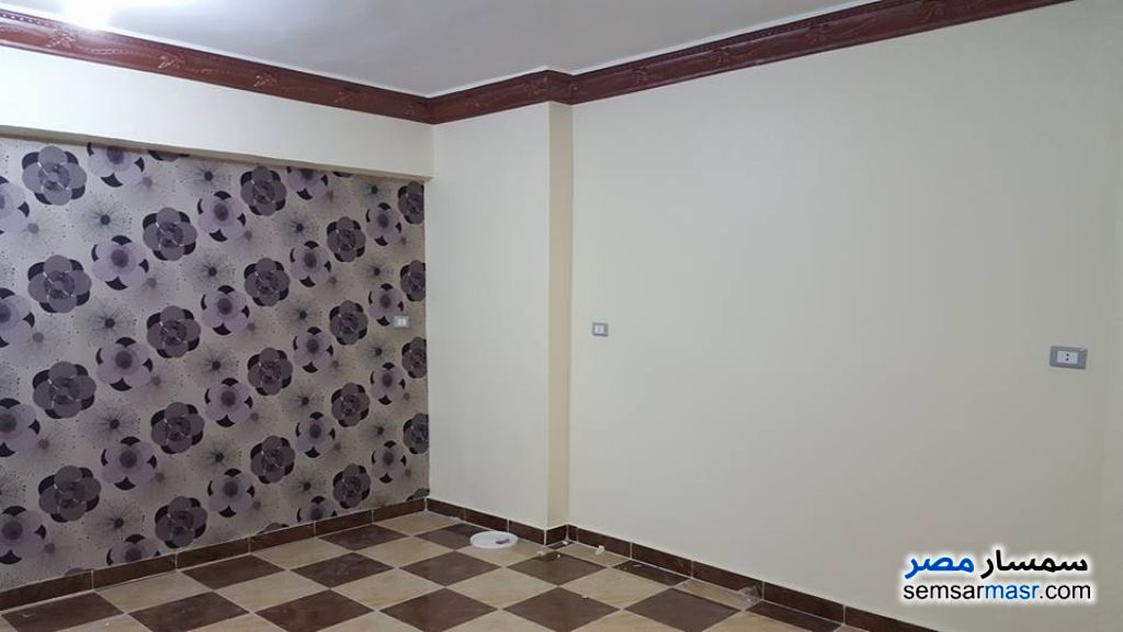 Ad Photo: Apartment 3 bedrooms 1 bath 130 sqm lux in Sohag