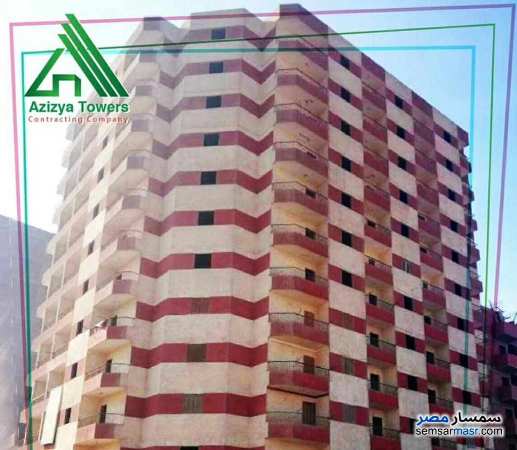 Ad Photo: Apartment 2 bedrooms 2 baths 200 sqm super lux in Izbat An Nakhl  Cairo