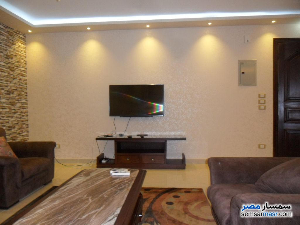 Photo 2 - Apartment 3 bedrooms 3 baths 220 sqm super lux For Rent Mohandessin Giza