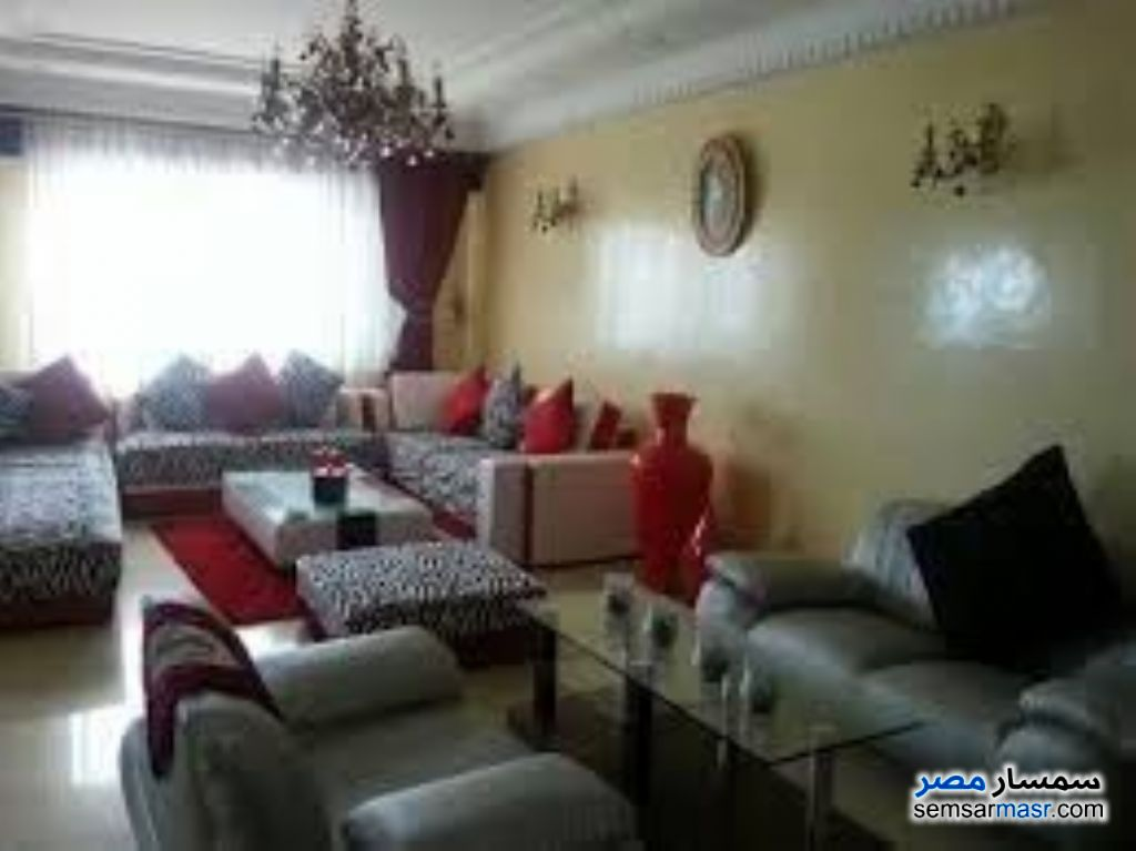 Photo 1 - Apartment 5 bedrooms 2 baths 125 sqm extra super lux For Rent Mohandessin Giza