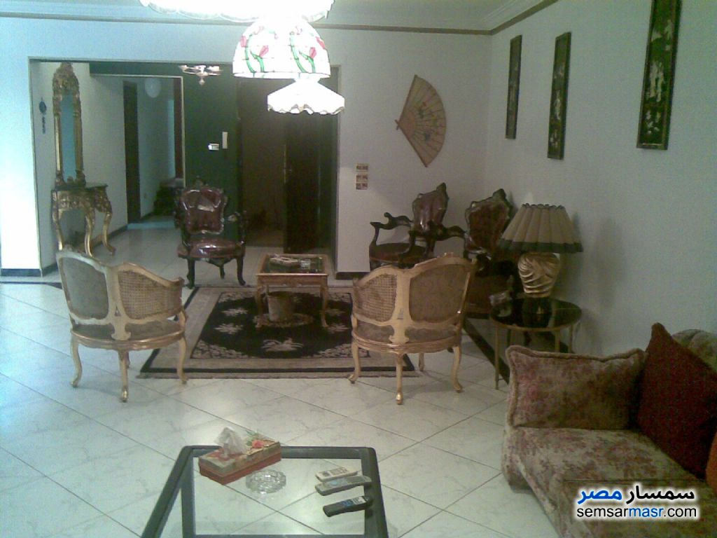 Ad Photo: Apartment 2 bedrooms 1 bath 90 sqm super lux in El Sayeda Zainab  Cairo