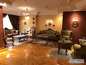 Ad Photo: Apartment 3 bedrooms 2 baths 300 sqm in Mohandessin  Giza
