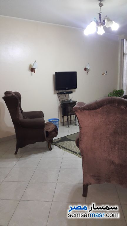 Photo 1 - Apartment 3 bedrooms 2 baths 170 sqm super lux For Rent Zamalek Cairo