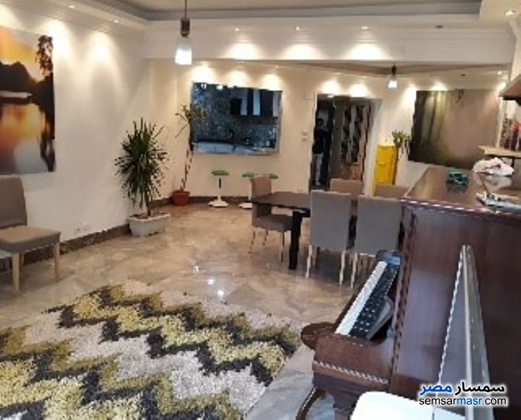 Photo 4 - Apartment 3 bedrooms 2 baths 200 sqm extra super lux For Rent Zamalek Cairo