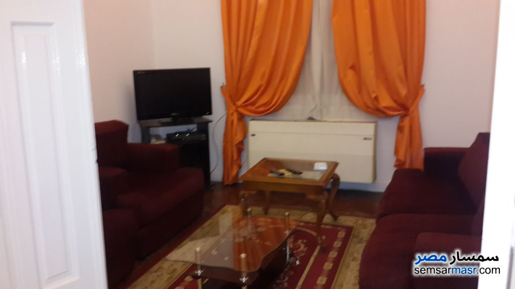 Photo 1 - Apartment 3 bedrooms 2 baths 145 sqm super lux For Rent Zamalek Cairo