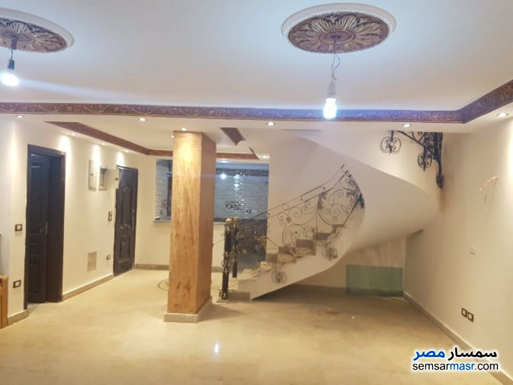Photo 7 - Apartment 3 bedrooms 3 baths 300 sqm extra super lux For Rent Mohandessin Giza