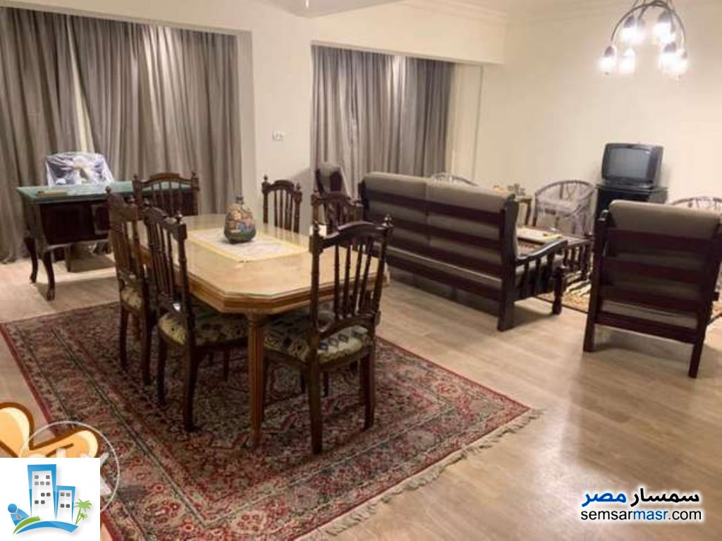 Ad Photo: Apartment 2 bedrooms 1 bath 150 sqm in Maadi  Cairo