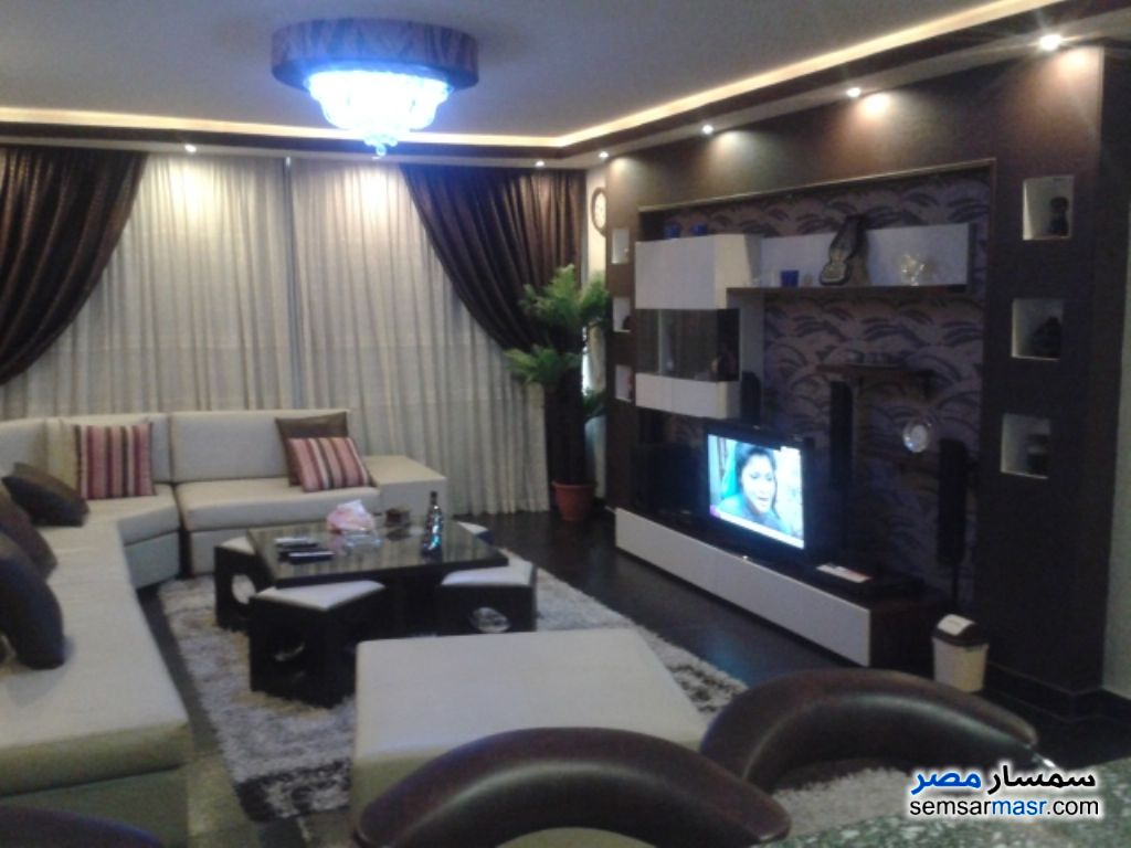 Photo 2 - Apartment 2 bedrooms 1 bath 125 sqm extra super lux For Rent Nasr City Cairo