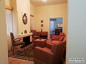 Ad Photo: Apartment 5 bedrooms 2 baths 230 sqm super lux in Zamalek  Cairo