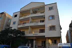 Ad Photo: Apartment 3 bedrooms 1 bath 132 sqm extra super lux in Shorouk City  Cairo