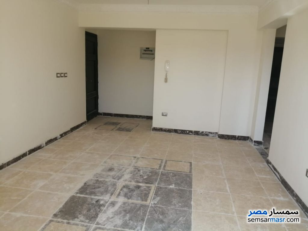 Ad Photo: Apartment 3 bedrooms 1 bath 109 sqm super lux in Mukhabarat Land  6th of October