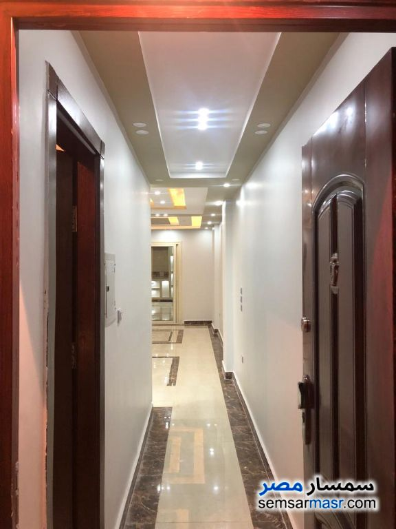 Photo 3 - Apartment 3 bedrooms 2 baths 128 sqm extra super lux For Sale Hadayek Al Ahram Giza