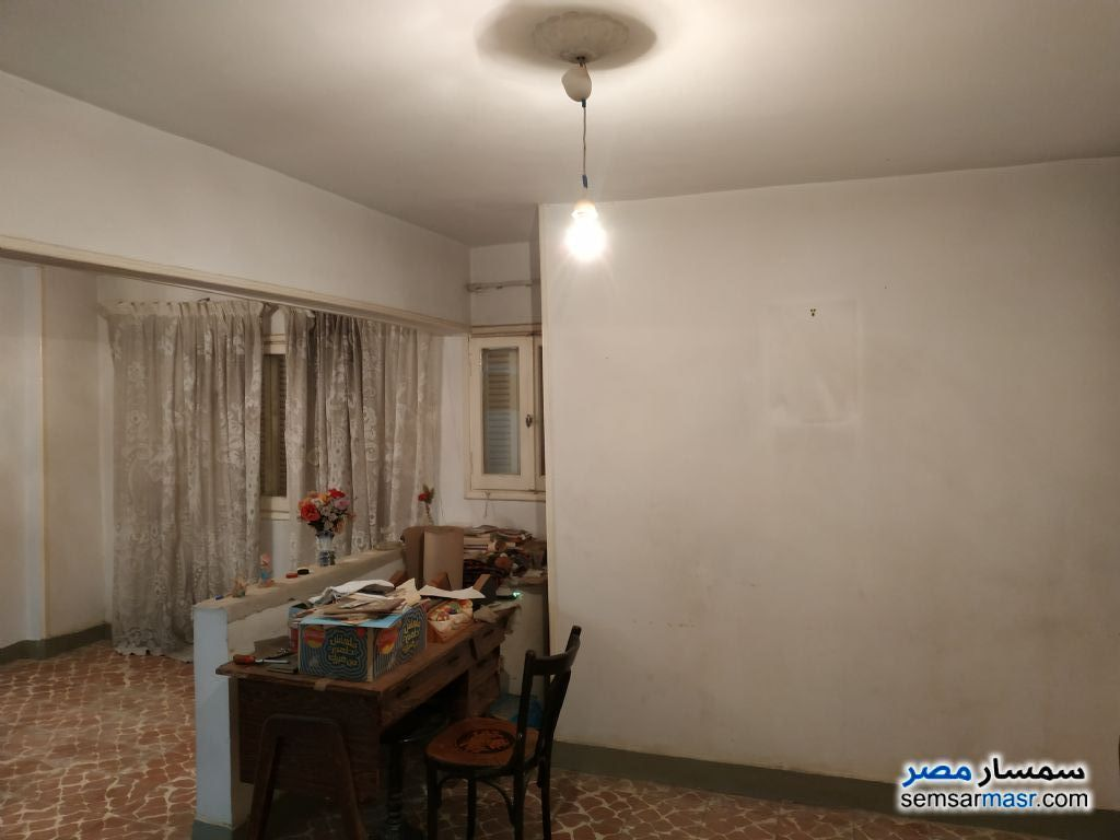 Ad Photo: Apartment 4 bedrooms 1 bath 150 sqm lux in Zeitoun  Cairo