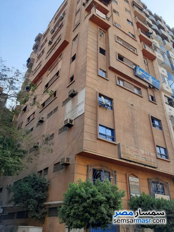Ad Photo: Apartment 2 bedrooms 1 bath 100 sqm super lux in Downtown Cairo  Cairo