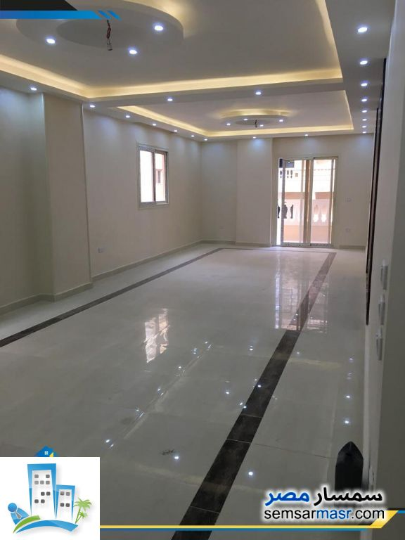 Photo 2 - Apartment 3 bedrooms 2 baths 178 sqm extra super lux For Sale Hadayek Al Ahram Giza