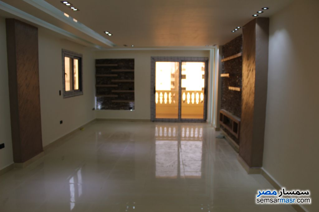 Photo 1 - Apartment 3 bedrooms 2 baths 175 sqm extra super lux For Sale Hadayek Al Ahram Giza