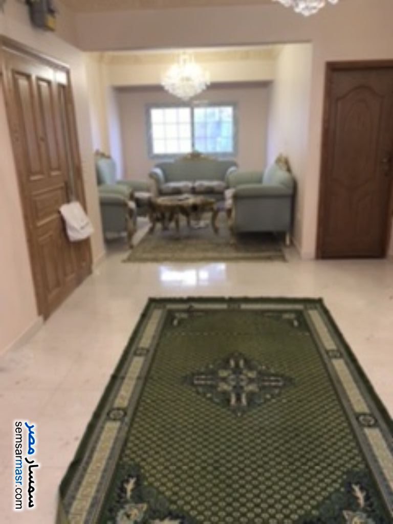 Ad Photo: Apartment 2 bedrooms 1 bath 100 sqm extra super lux in Halwan  Cairo