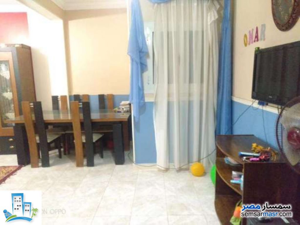 Ad Photo: Apartment 3 bedrooms 1 bath 100 sqm in Shubra El Kheima  Qalyubiyah